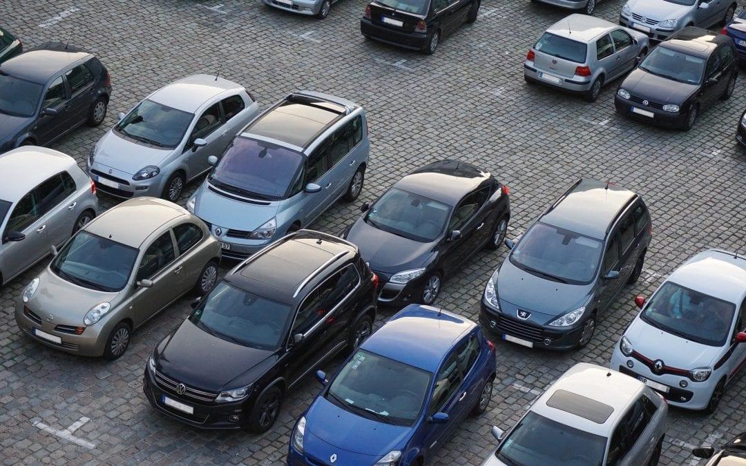 Förmån av fri parkering och gåva till anställda föreslås bli skattefritt